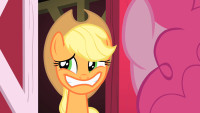 Applejack_bad_poker_face_S01E25.png